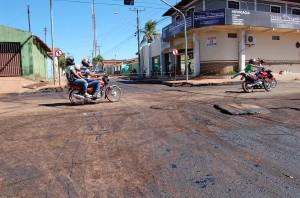 motoqueiros furando bloqueio na av. castelo branco
