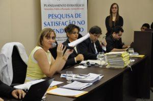 vanda paiva em sabatina na audiencia publica em araguaina