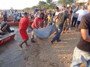 corpo resgatado do rio