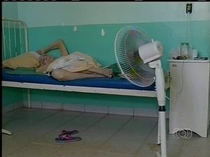 Pacientes precisam levar ventiladores para Hospital de Araguatins (Foto: Reprodução/TV Anhanguera TO)