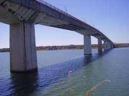 Ponte sobre Rio Tocantins em Porto Nacional
