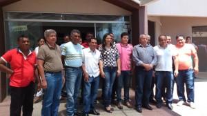 Deputado Iderval Silva e lideranças do bico