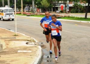 Campeã da XIII Meia Maratona do Tocantins, Maria Barroso da Costa Filho, do Distrito Federal