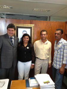 Júnior Coimbra (PMDB) recebeu ontem em seu Gabinete, na Câmara dos Deputados  caravana de prefeitos do Tocantins