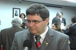 Vice-Líder do PMDB na Câmara dos Deputados,  Júnior Coimbra (PMDB)
