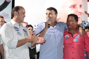 Sandoval, Eduardo e Auri, presidente da Ambip: Governo levou dignidade aos municípios