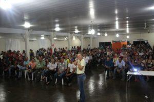 Cerca de 500 pessoas compareceram a reunião com  deputada Josi