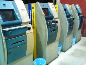MPE solicita a justiça que conceda liminar para que, no prazo de dez dias, os referidos bancos cumpram uma série de medidas