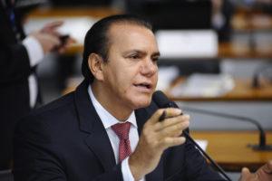 Senador Oliveira Ataídes (PSDB)