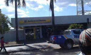 Os bandidos queriam assaltar a agência do Banco do Brasil