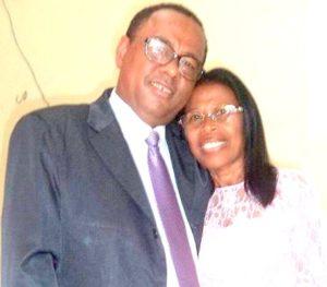 Presbítero Osmar,ao lado de sua esposa, missionária Lilian