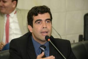 Ricardo Ayres (PSB)
