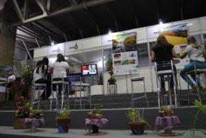 A Sedetur esteve presente na Fenepalmas com um estante e equipe à disposição para esclarecer dúvidas e apresentar projetos