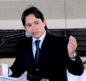 Prefeito de Almas, Leonardo Sette Cintra, é afastado novamente do cargo