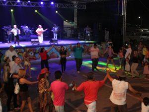 """Genésio Tocantins apresentou o show """"Brasis, as canções e o povo"""", no Palco Fecoarte"""