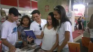 Alunos do Pronatec de Miracema visitam Salão do livro em  Palmas