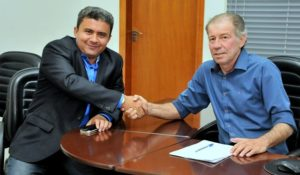 O presidente da UVET Elson Ribeiro está unido com o presidente da ATM João Emílio