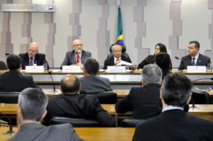 A audiência pública  reuniu lideranças das centrais sindicais e representantes dos servidores públicos federais