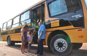 Alunos ficaram 30 dias sem aula por falta de transporte