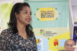 Para Luciene Alves, os professores devem participar do Prêmio independentemente da parte financeira