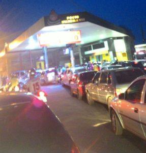 Filas começam a se formar em postos de gasolina em Araguaina