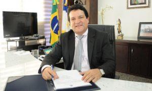 Governador em exercício, Osires Damaso