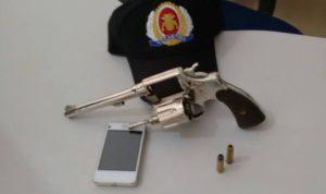 Arma de fogo apreendida em residência na cidade de Aragua ína
