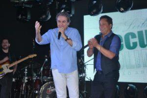 Leonardo em recente apresentação na cidade de Araguaína: sem cobrar cachê, artista destinou toda renda do show ao leilão
