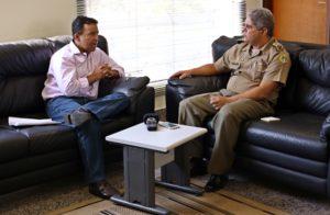Deputado foi recebido na manhã desta sexta-feira, 18, pelo comandante-geral da Polícia Militar no Tocantins, coronel Glauber de Oliveira