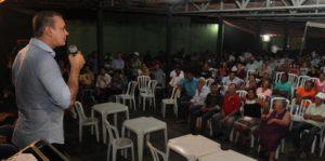 Senador Ataídes Oliveira fala aos moradores de Formoso do Araguaia: projeto para o Tocantins