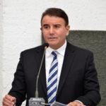 Eduardo Siqueira protesta contra alta carga tributária e o não pagamento de data-base dos servidores públicos