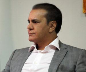 """O senador Ataídes Oliveira: """"Vamos todos para as ruas exigir um governo decente"""""""