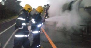 Bombeiros de Colinas evitam que carga de álcool pegue fogo na BR-153
