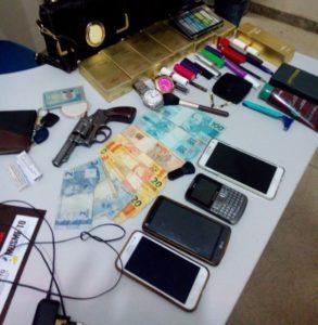 Objetos apreendidos no setor Barros em Araguaína