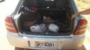 Os suspeitos utilizavam o veículo para apoio durante aç ão criminosa.