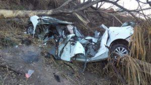 Veículo ficou destruido