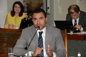 Wanderlei cobra do governo mais diálogo no intuito de colaborar com negociações
