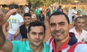 Em Rio dos Bois na caminhada com o candidato a Prefeito Moacir Oliveira (PV)