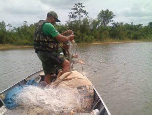 Redes de pesca apreendidas