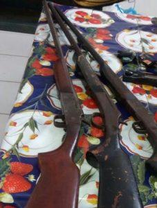 Armas e objetos apreendidos