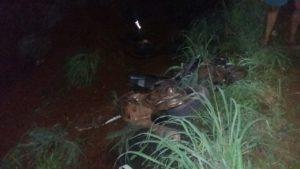 Motocicleta ficou destruída